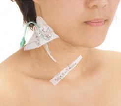 テープをはがすときに肌を引っぱりにくく、肌にやさしい