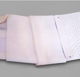 コルセットの接触圧迫部位の調整使用種々の補強材、被覆材⇒ココロールへ